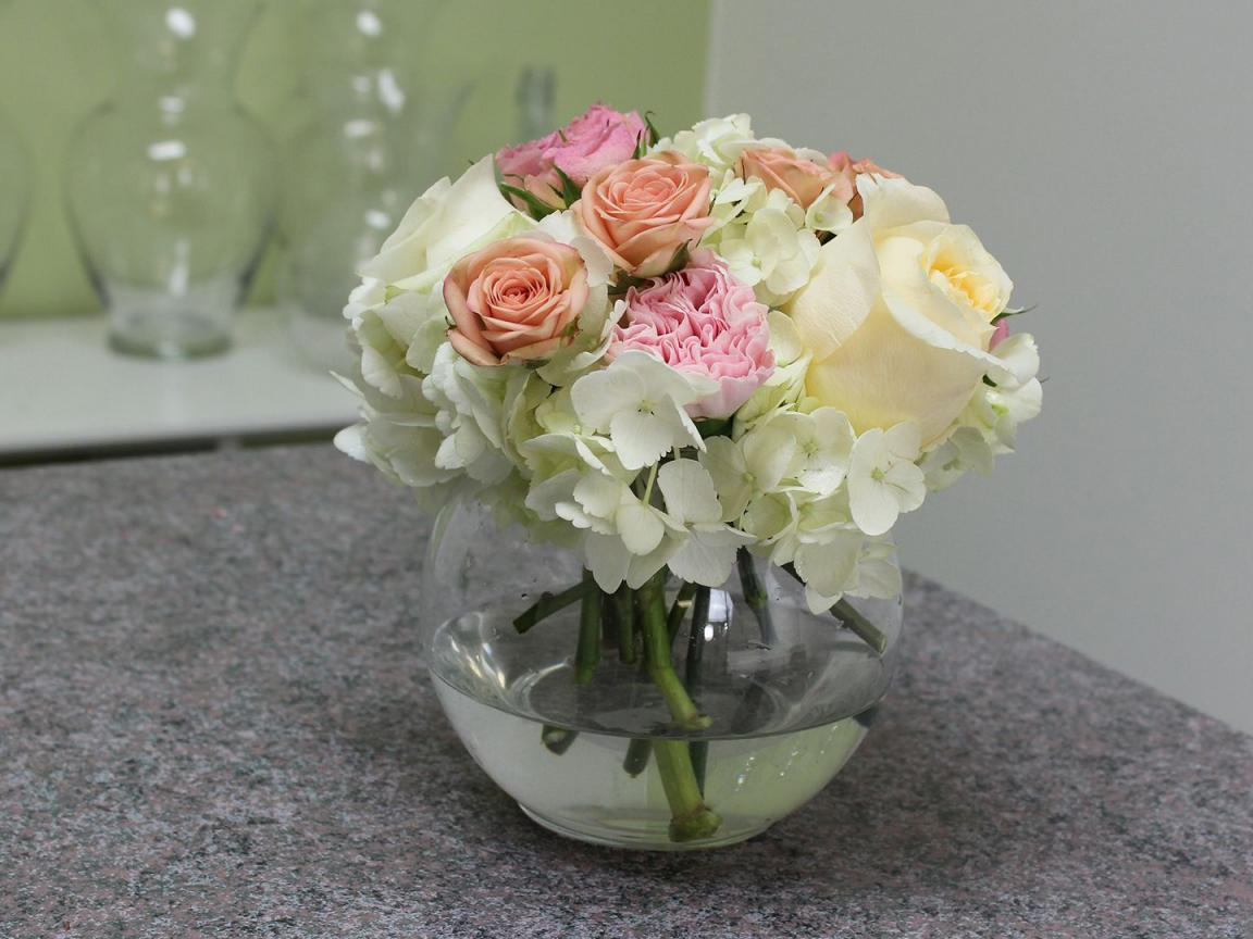 Small rose flower arrangement with hydrangea hd for Small rose flower arrangement