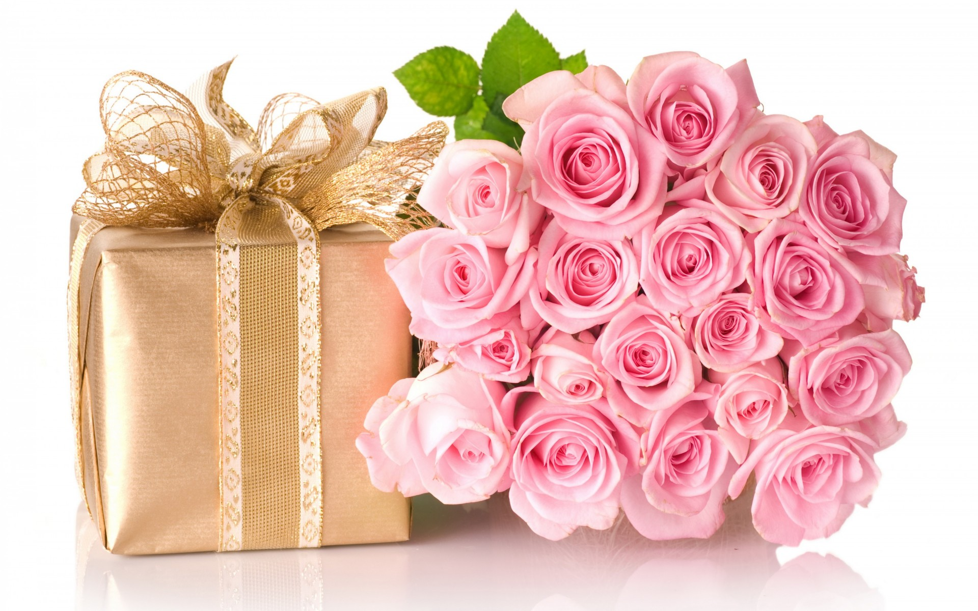 Happy birthday images with rose flowers and gift box hd wallpapers available downloads izmirmasajfo Image collections