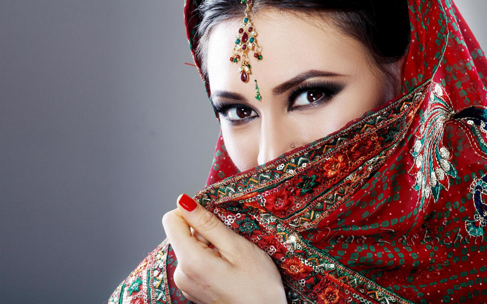 Beautiful eyes of indian girl with saree hd wallpapers wallpapers download high resolution - Indian beautiful models hd wallpapers ...