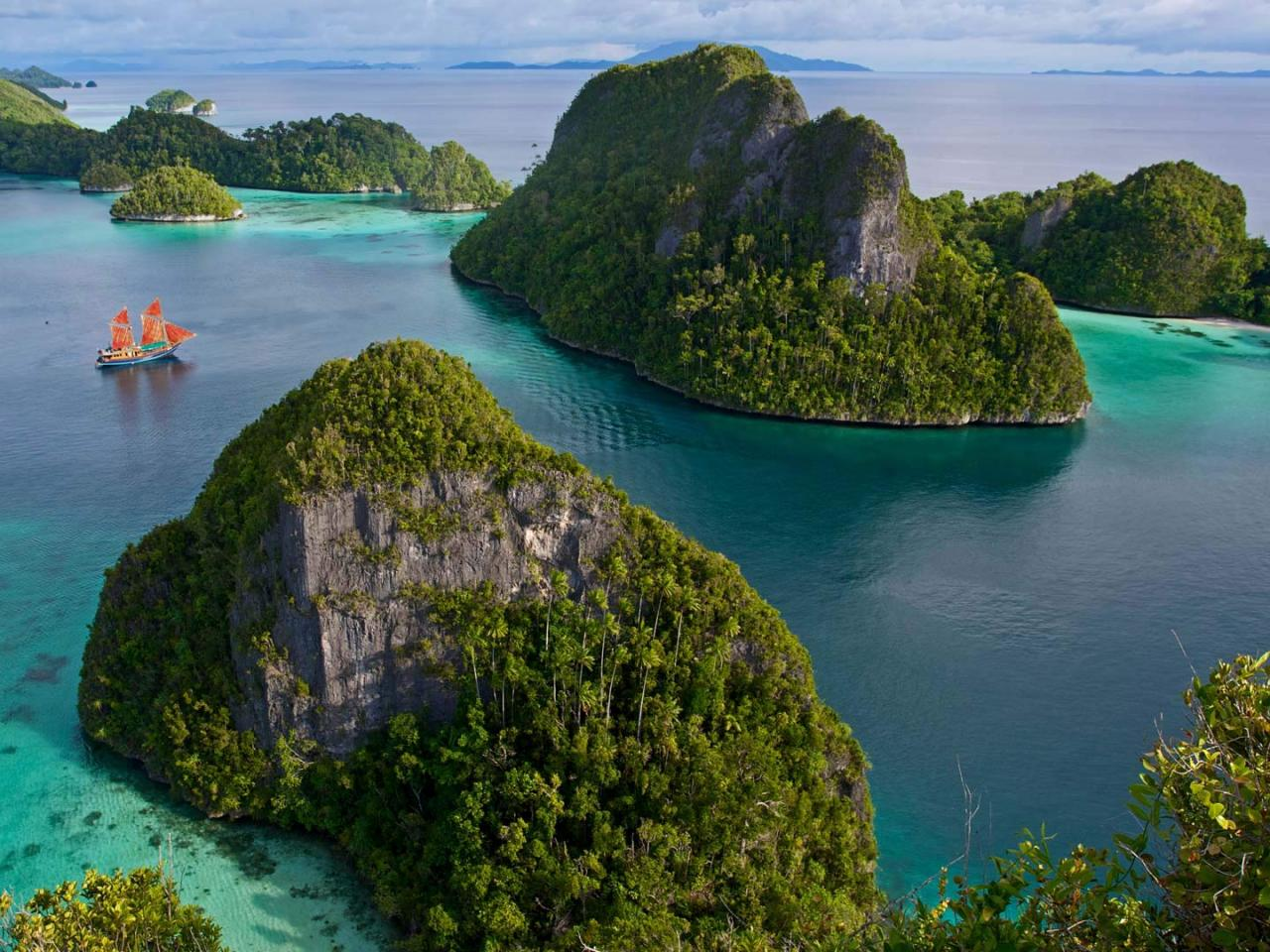 Natural Images HD 1080p Download with Wayag Island in Raja ...