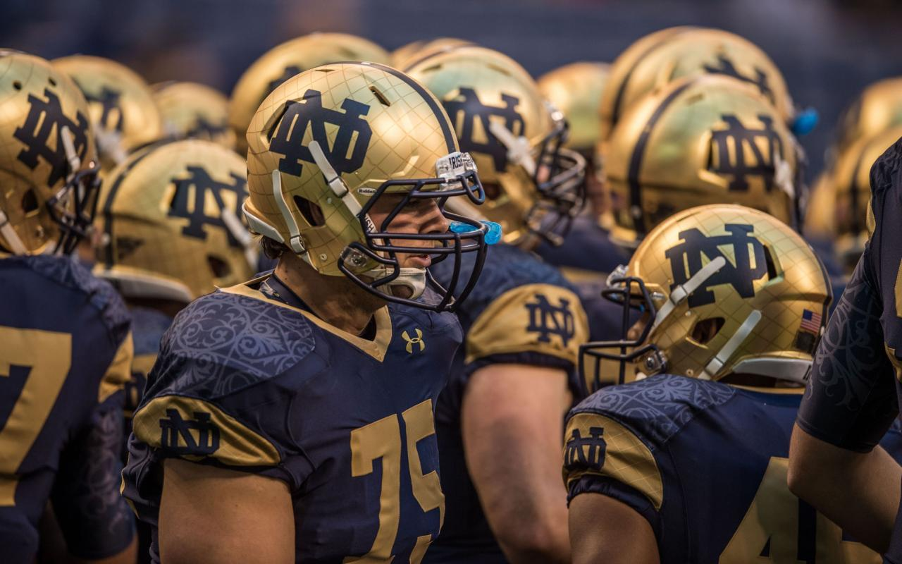 Notre dame fighting irish football team player wallpaper - Notre dame football wallpaper ...