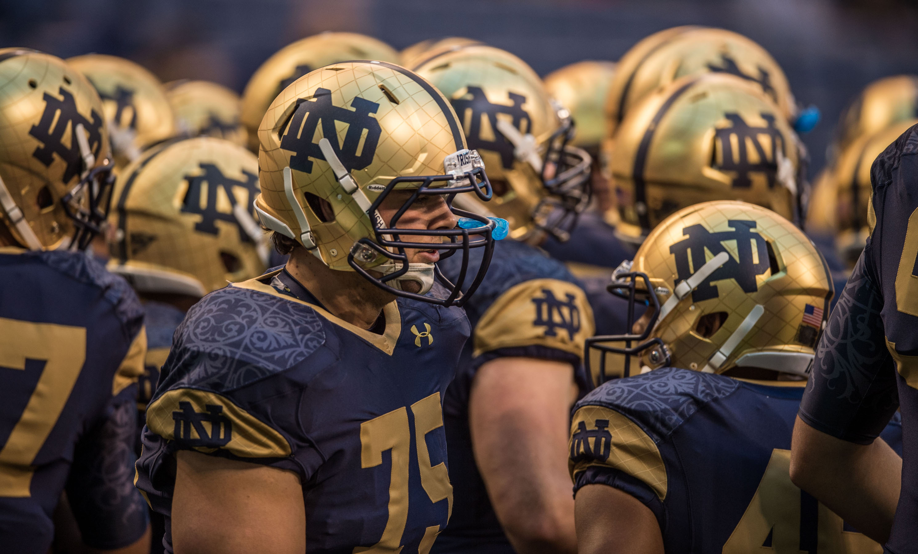 Notre Dame Fighting Irish Football Team Player Wallpaper HD