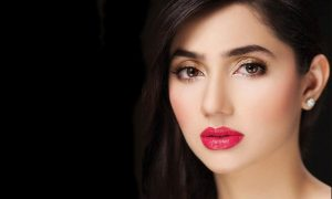Mahira Khan Close Up Photo - Indian Celebrity Wallpaper