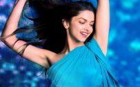 Deepika Padukone in Blue Saree in Yeh Jawaani Hai Deewani for Wallpaper