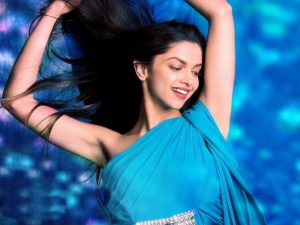 Deepika Padukone in Blue Saree in Yeh Jawaani Hai Deewani for Wallpaper