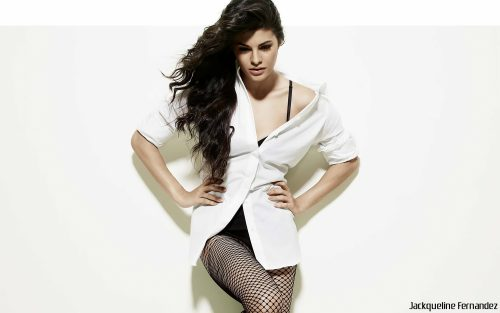 Jacqueline Fernandez Close Up Photo for Wallpaper