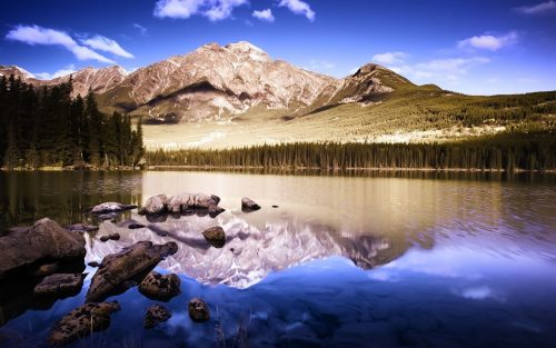 Best Nature Scenes Wallpaper with Picture of Mountain and River
