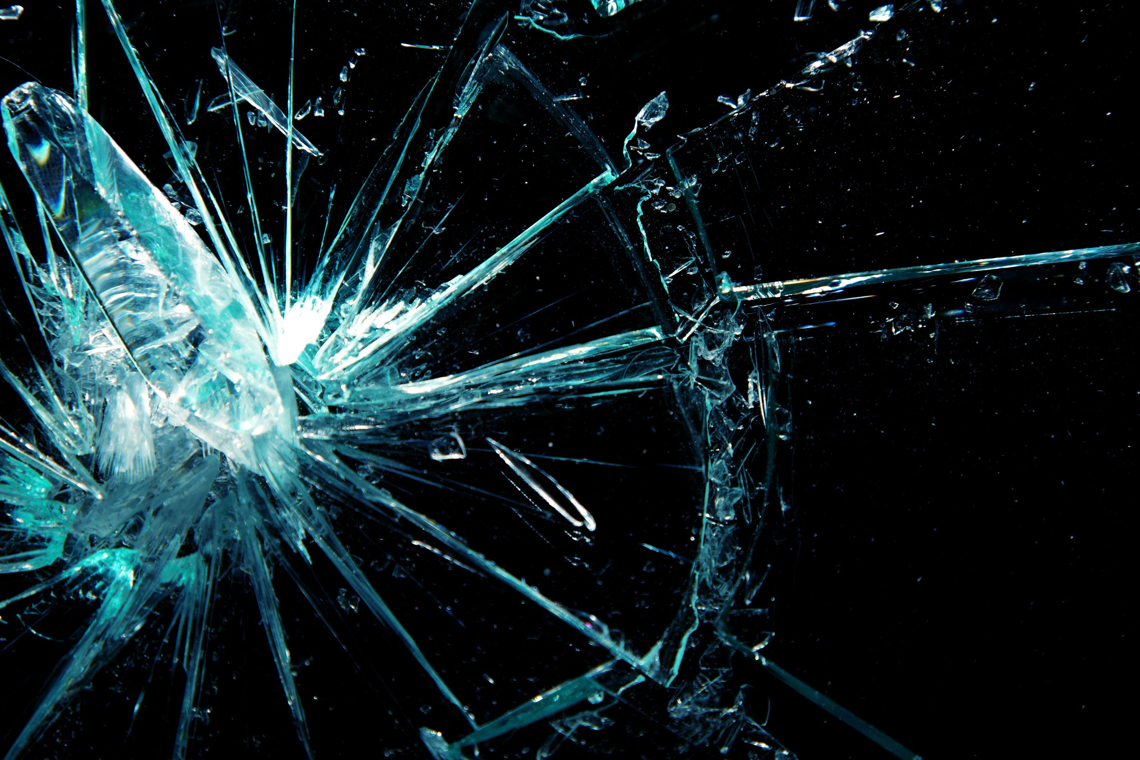 Broken screen wallpaper 3 of 49 with broken glass animation hd broken screen wallpaper 3 of 49 with broken glass animation voltagebd Gallery