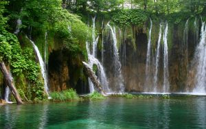 Beautiful Nature Wallpaper Big Size #04 with Waterfall in River