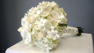 Flower Arrangements With Roses And Hydrangeas