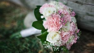 Flower Arrangements with Roses And Carnations